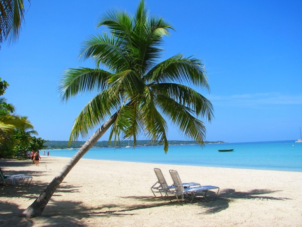 Enjoying the Sun-Swept Beaches and Amazing Resorts of Jamaica (Part 1 – Beaches Negril)