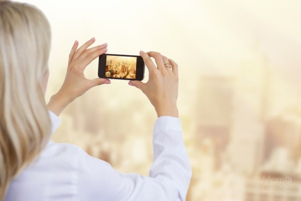 Capturing Memories Easily with Blinkbuggy