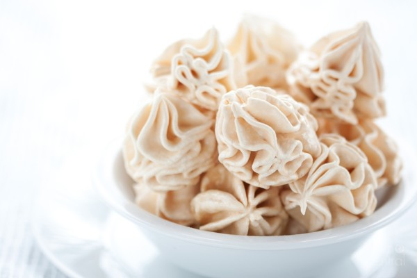 Magical Meringue Cookies on #HowToTuesday