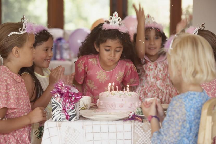 Mom Hacks – Kids Birthday Invitations